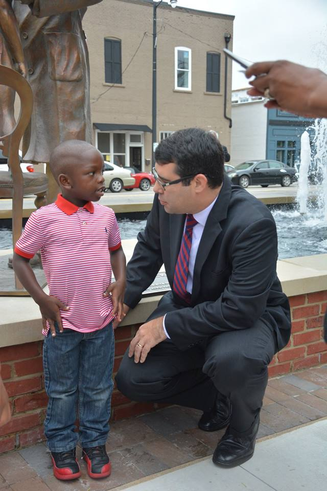 Mayor Wukela speaking with the young model